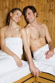 couple-in-sauna